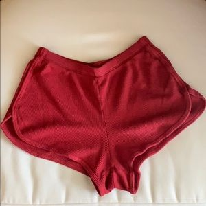 BRANDY MELVILLE TEXTURED RED SHORTS